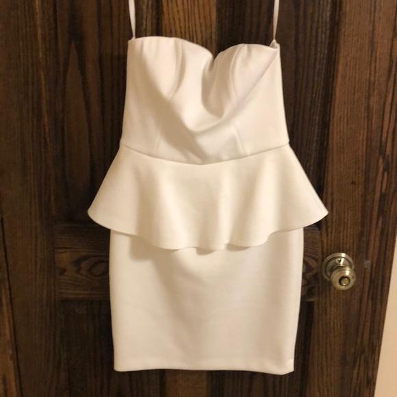 Cache Dresses & Skirts - White strapless dress